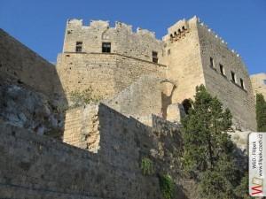 Výstup na akropoli na Lindosem