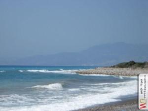 oblázková pláž u Egejského moře